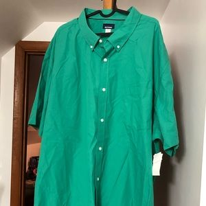 NWT Kelly Green 5XLT SS Button Up